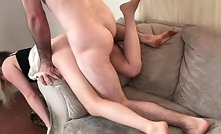 Stepmom stuck over slay rub elbows with couch gets good sex from stepson - Erin Electra