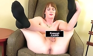 Toy loving femboy enjoys solo instalment