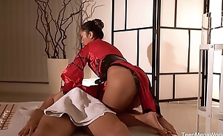 Tricky-Masseur.com - May Thai - Thai massage, candles and soft hands