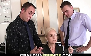 Old skinny light-complexioned granny double penetration